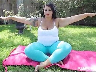 bbw big booty latina shows off ass