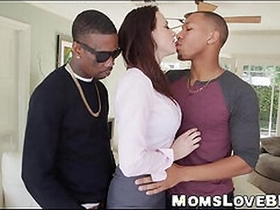 Mom Fucks Huge Juggs Daughter