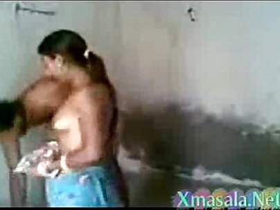 Couple fucking in the bathroom and face meat