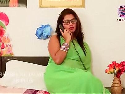 Desi bhabi aunty romantic fuck with boyfriend