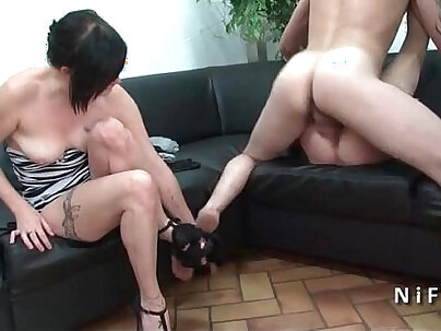 Amateur french mature in fishnet stockings hard banged in groupsex with papy