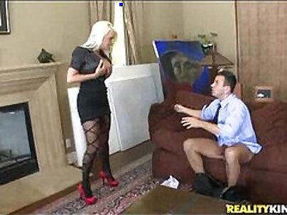 Jacky Joy has her pussy pounded by machine