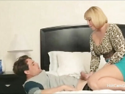 You cant hide from Mommy MILF - xxxrocket.com