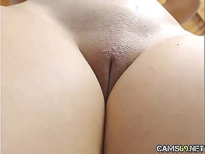 Hot Teen gets her Tight Clean Pussy on Webcam