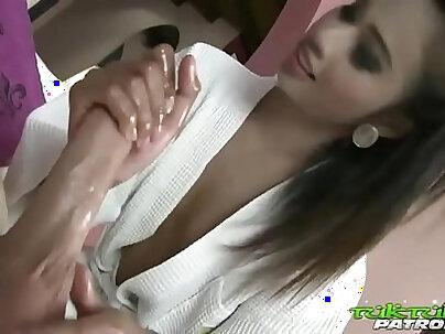 Tuk Tuk Patrol Thai slut that loves working cock
