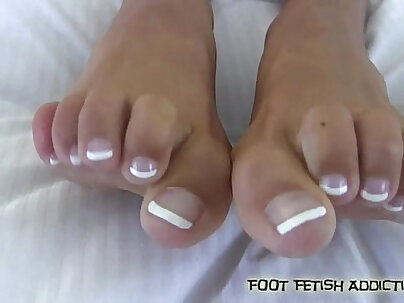 Stroke your cock while you suck my toes