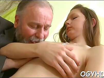 Amateur pussy walking with cucumber in thigh under toenails