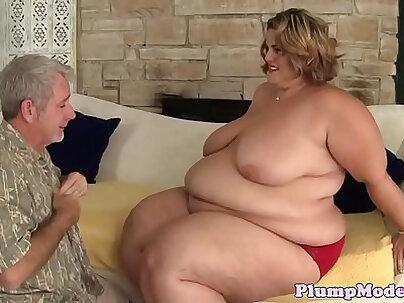 Cocksucking ssbbw gets doggystyled