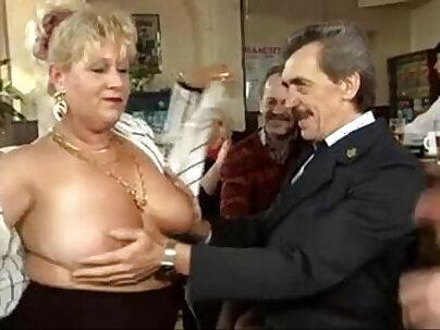 Brunette gawBAt anal gang bang in orgia
