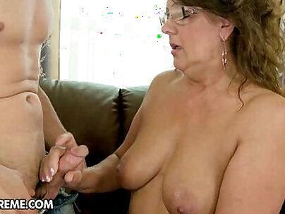 Naughty foxy granny fucking in black yoga pants