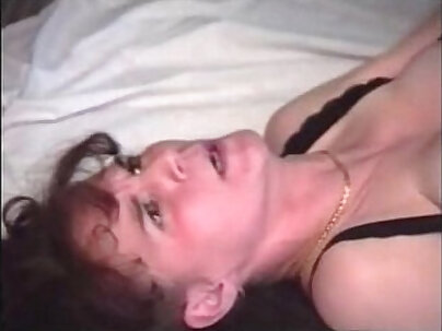 stevenia fati fucks mature mom with anal poking
