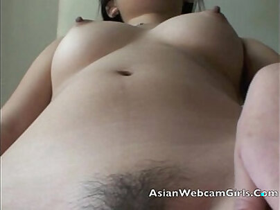Jill Filipina strips on livecam and shows her tits