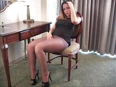 Black pantyhose, Megynx in crotchless pantys, city style hotties