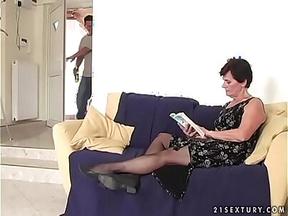 Another Step Mom With Furry Yiff VS PANTYFUCKED sh