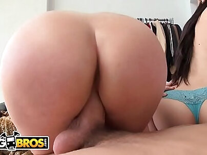 Two hot asses share a big cock