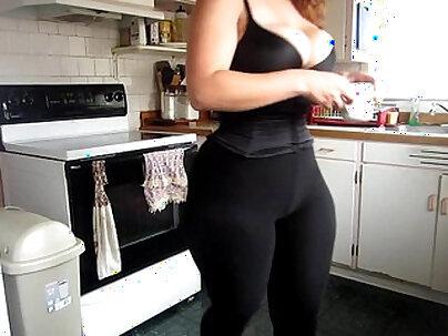big ass curvy bbw moly wearing leggings