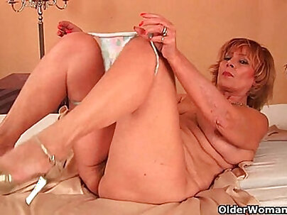 Plump grandma fucks cock with her unshaven pussy