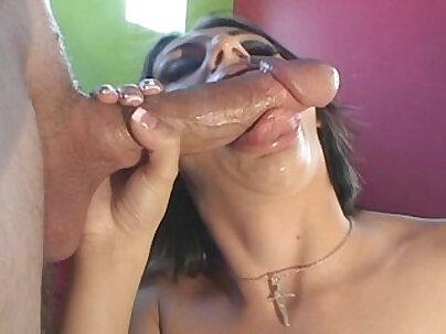 Naudia Nyce puts on a blowjob clinic with Chris Charmings big cock