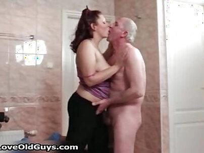 Crazy sex with chubby Lezley Rhydes