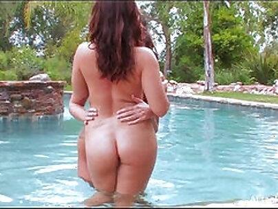 sunnybert Norwegian Horny Slut Camgirl When she was in bikini