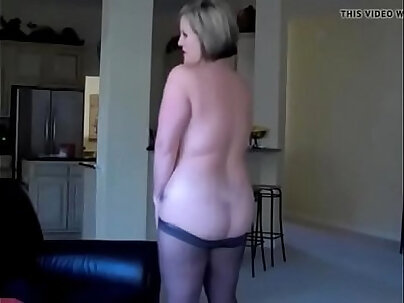 Annabelle Flowers - Sexy Step Sister Toying
